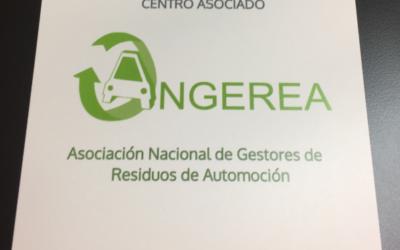 ANGEREA HACE ENTREGA DE LA PLACA IDENTIFICATIVA DE MIEMBRO A SUS ASOCIADOS